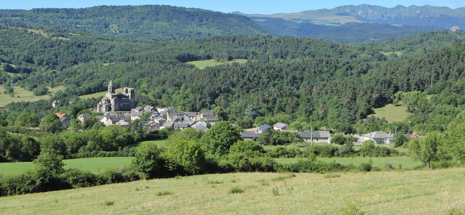 Come to our campsite in St Nectaire, Auvergne for your holiday to Puy de Dôme. We're just 5 minutes away from Lake Chambon!